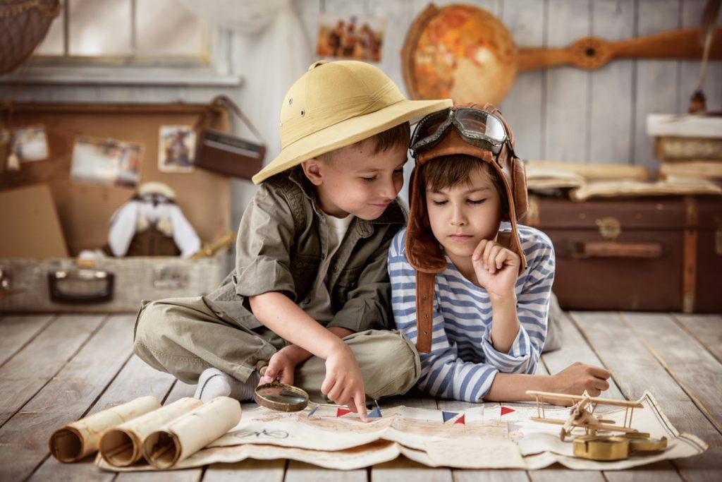 Children playing navigator