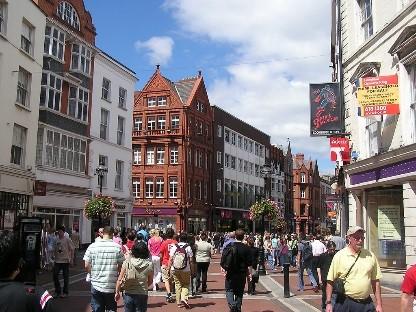 Dublin-6-Busy-Street