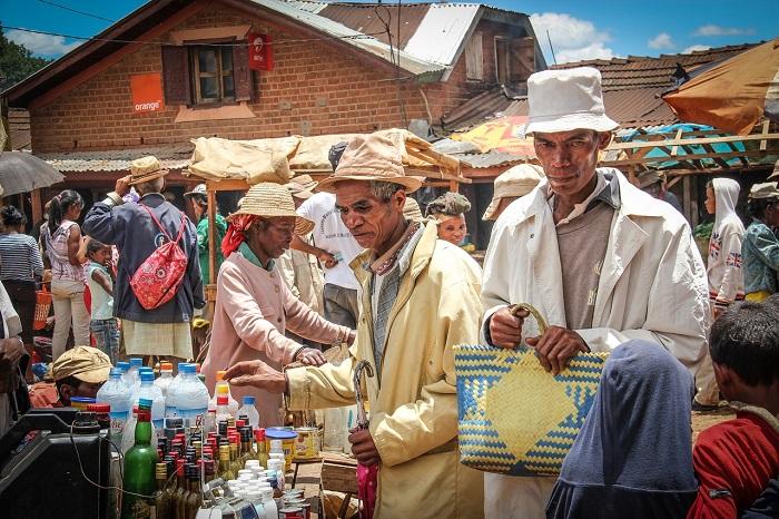 Busy-Market-Antananarivo